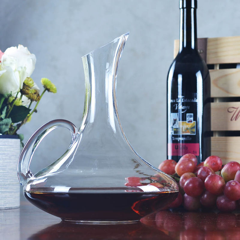Round Wine Decanter Carafe , 53oz Contemporary Wine Decanter With Handle